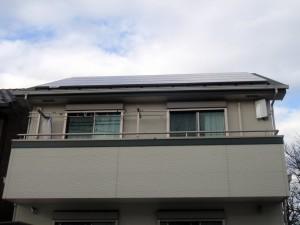 太陽光パネルとフラットアンテナ