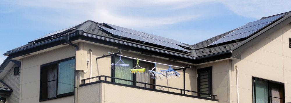 太陽光発電のある家でフラットアンテナの設置