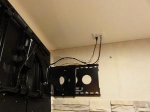 テレビの壁掛け[フルモーション]設置例