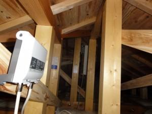 特殊なアンテナ工事(天井裏設置)