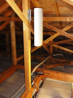 上尾市で屋根裏にUAH900の設置を行いました