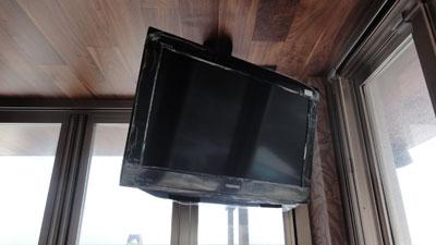 テレビの天吊り工事