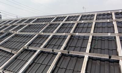 横浜太陽光架台組立