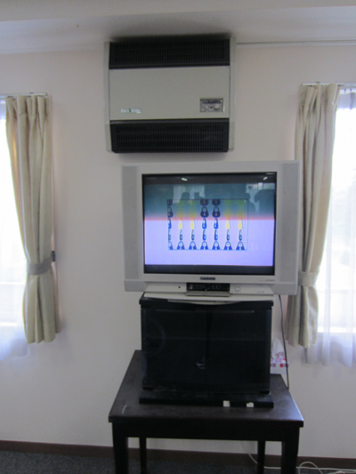 江戸川高齢者介護施設テレビ壁掛け前