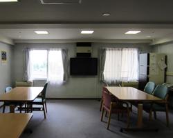 江戸川区の高齢者介護施設でテレビの壁掛け工事