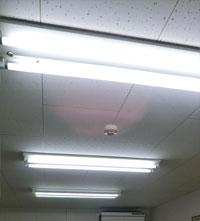 公文式学習塾で蛍光灯からCCFLへ入れ替え