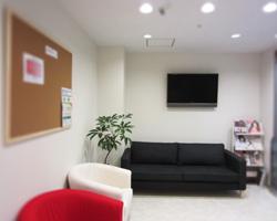 東村山の歯科医院でテレビの壁掛け工事