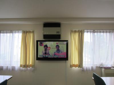江戸川区高齢者介護施設テレビ壁掛け後