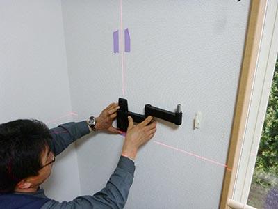 杉戸町テレビ壁掛け工事_壁側金具取付